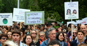 Thousands of Montrealers march against climate change