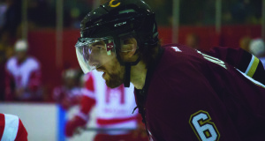 Stingers defenseman David Hunter prepares for a faceoff. Photo by Kelsey Litwin.