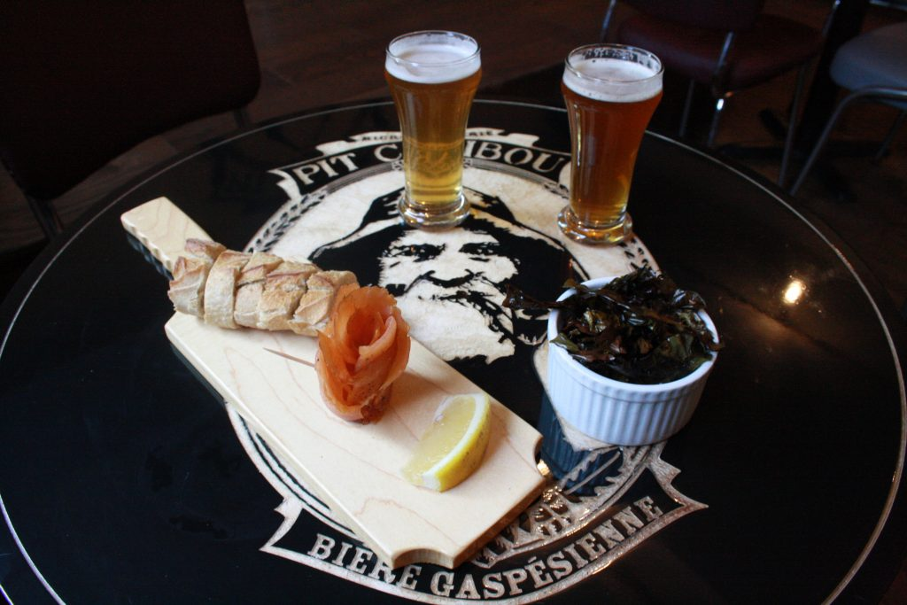 Smoked salmon, seasweed chips and beer bread. Photo by Daniel Slapcoff