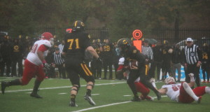 The Concordia Stingers lost to the McGill Redmen on Saturday by a score of 28-1. Photos by Alex Hutchins.