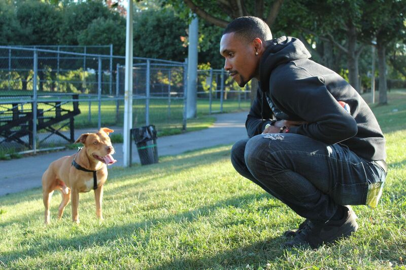 Nathaniel South with his pit bull Chester. Photo by Alex Hutchins.