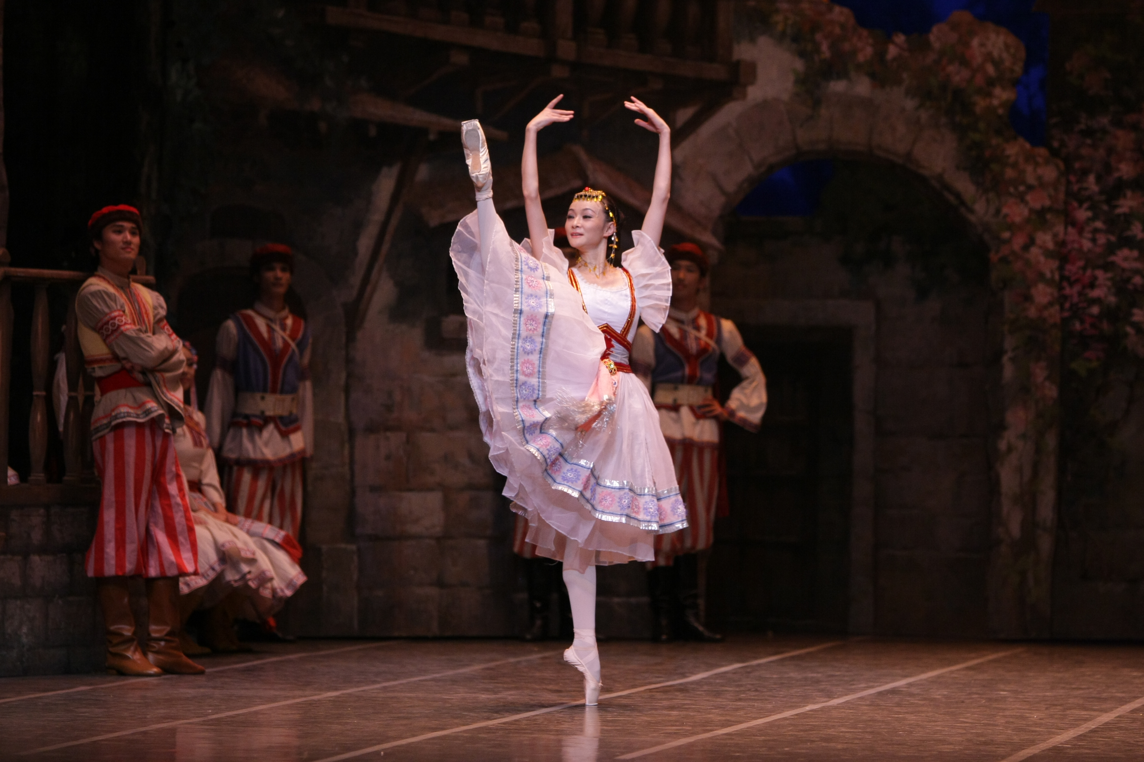 FAN Xiaofeng dances as Swanhilda in the village in the kingdom of Galicia. Courtesy of Ballet de Shanghai.