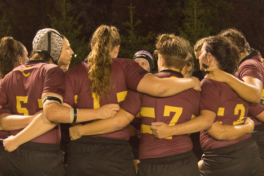 The Stingers picked up their first win with an 85-0 victory. Photo by Ana Hernandez.